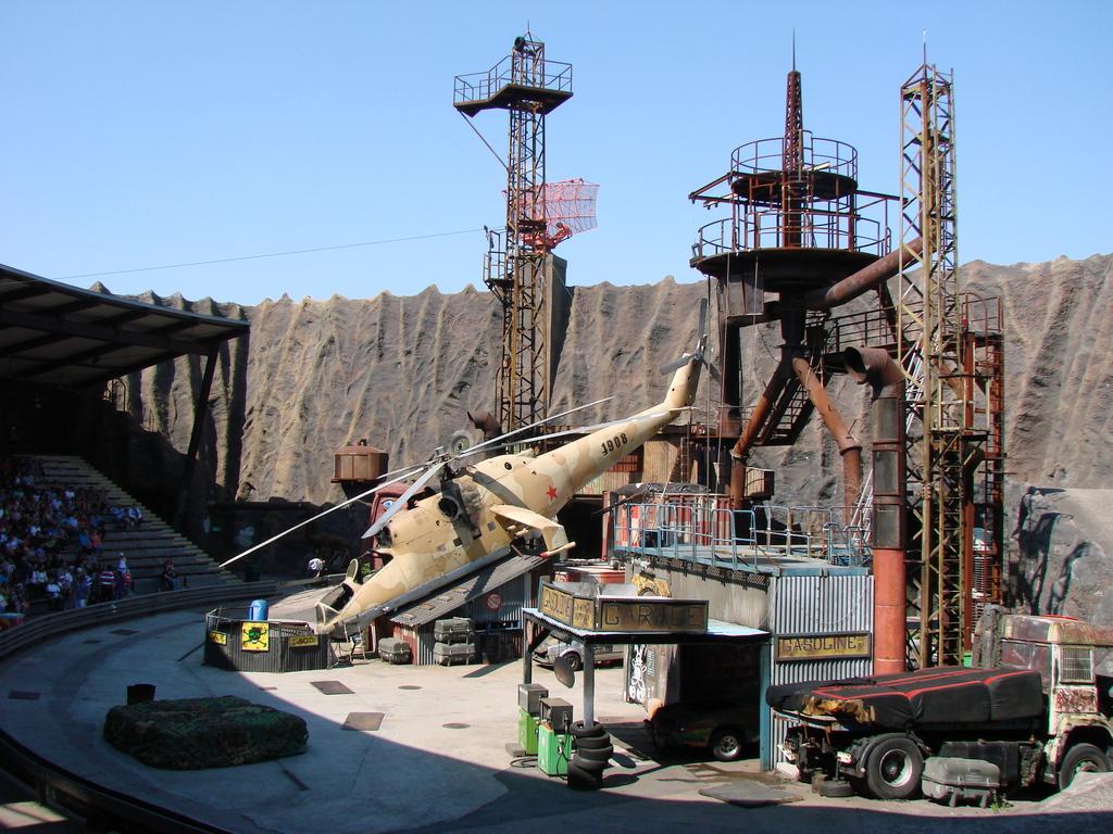 Stuntshow im Vulkan